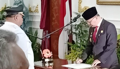 Gubernur Lantik Rifai Tajudin, S.Sos  Sebagai Wakil Bupati Bengkulu Selatan